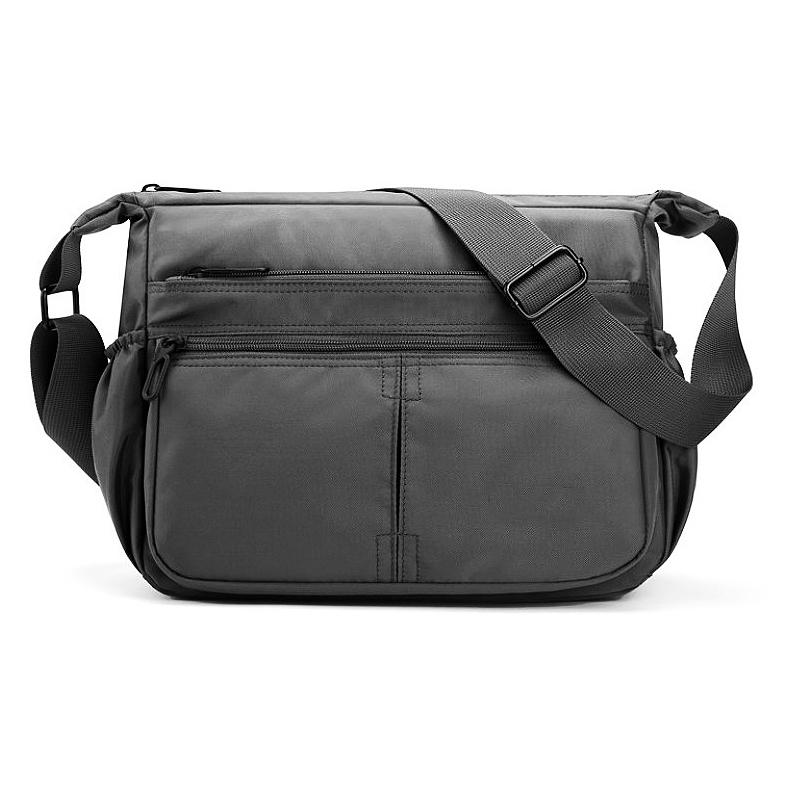 Large capacity single shoulder bag and messenger bag